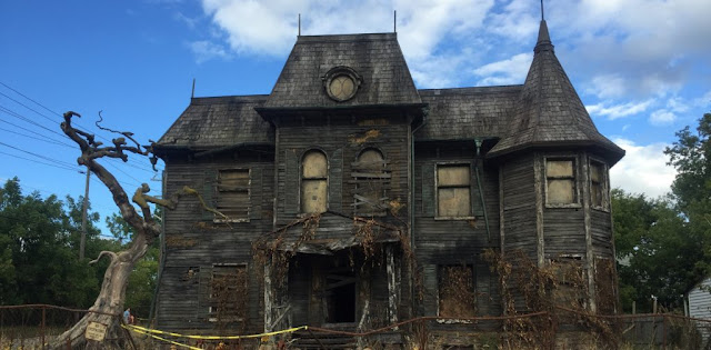 Image: Stephen King's 'It' set in Oshawa featured in film's trailer