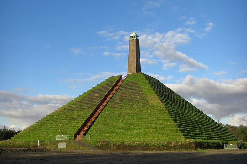 La Pirámide de Austerlitz | Países Bajos