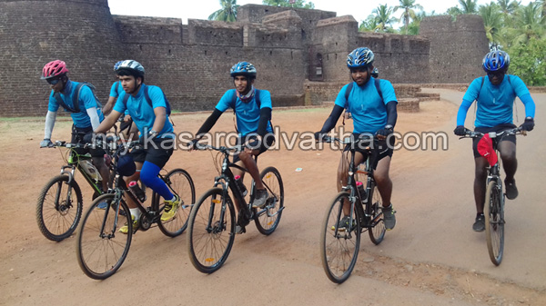 Kerala, News, Differently Abled, Students, Kasaragod, Bekal, Cycle raid, Thiruvananthapuram, Teachers, Students Cycle raid with supports differently abled