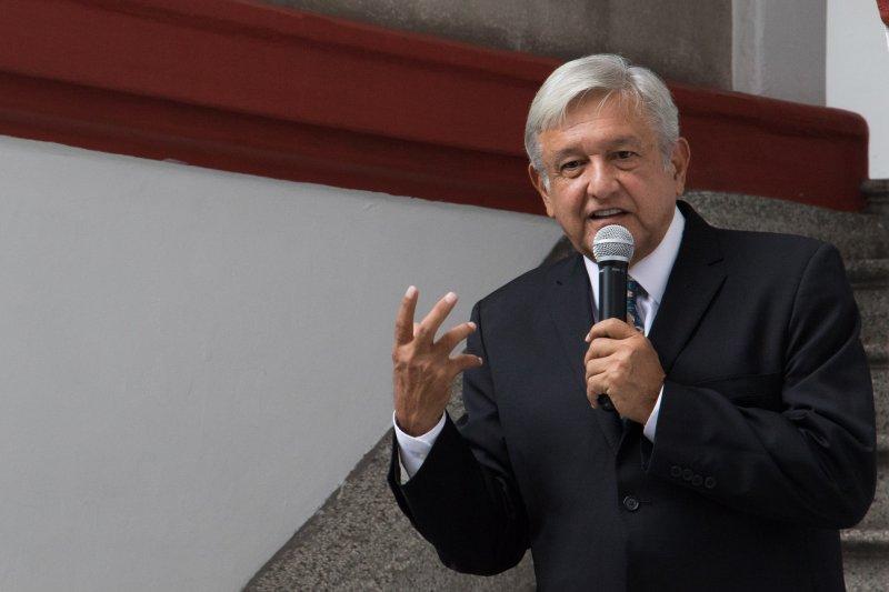 López Obrador pedirá a estados y municipios no subir impuestos a predial ni agua.
