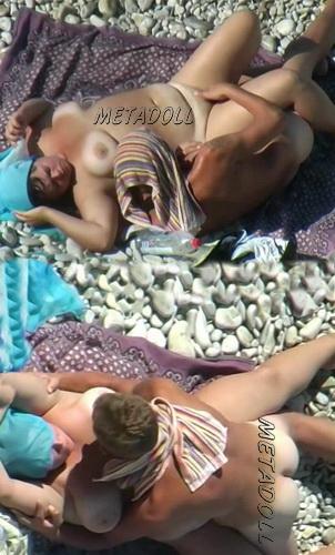 BeachHunters Sex 19875-19961 (Nude beach sex caught on spycam)