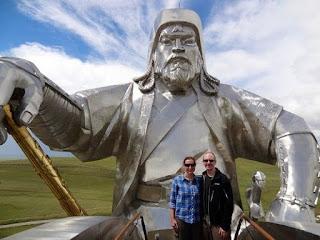 patung Genghis Khan Pemimpin Kejayaan Mongol