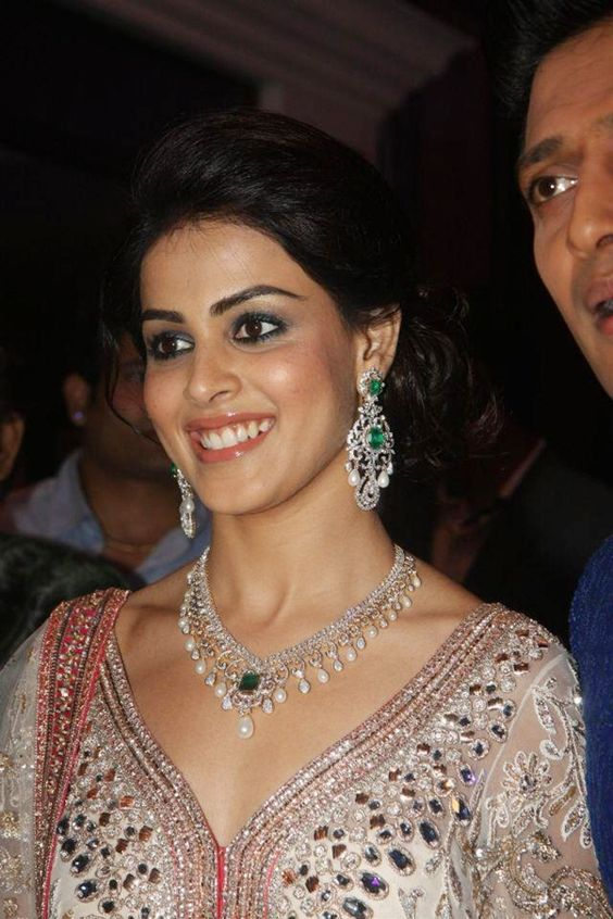Genelia Dsouza Diamond Earrings and Diamond Necklace