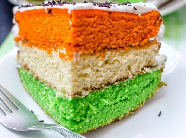 Yummy Tri-Color Cake with Cream Icing