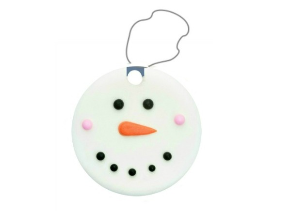 SNOW CLAY: make ornaments, snowmen, and more! (easy to make & icy-cold!) #wintercrafts #snowcrafts #kidscrafts