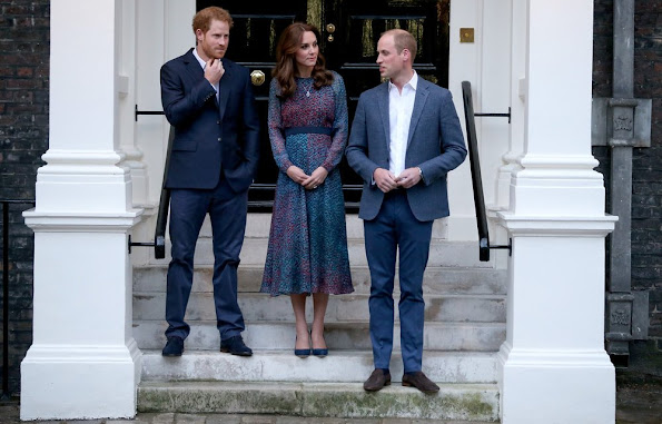 Prince William Duchess Catherine And Harry Dine With