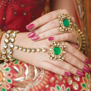Hathphool or finger rings help in improving blood circulation.