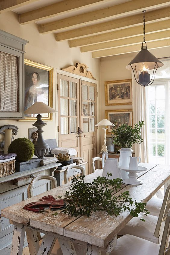 25 kitchens in france interior design inspiration for Art decoration france