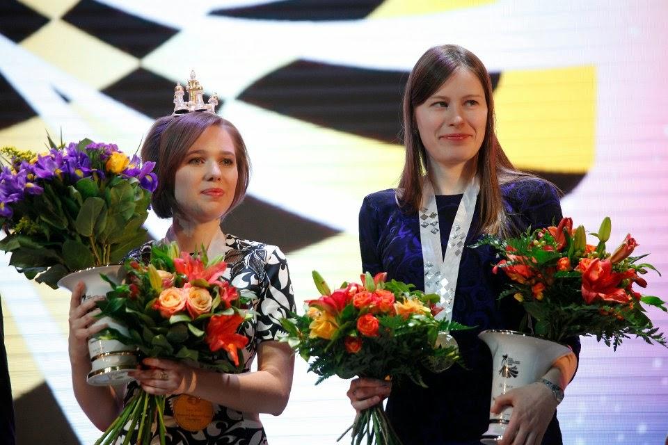 De izquierda a derecha Mariya Muzychuk y Natalia Pogonin