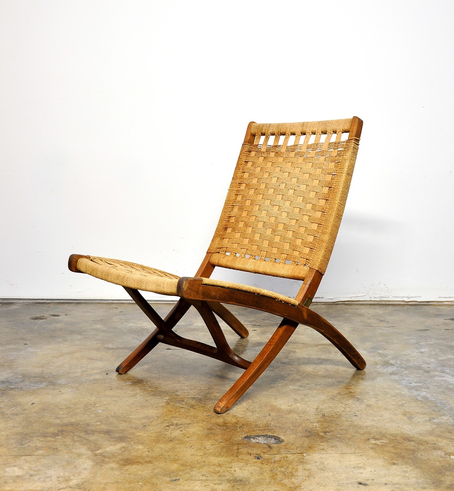 SELECT MODERN: Hans Wegner Style Folding Rope Lounge or ...