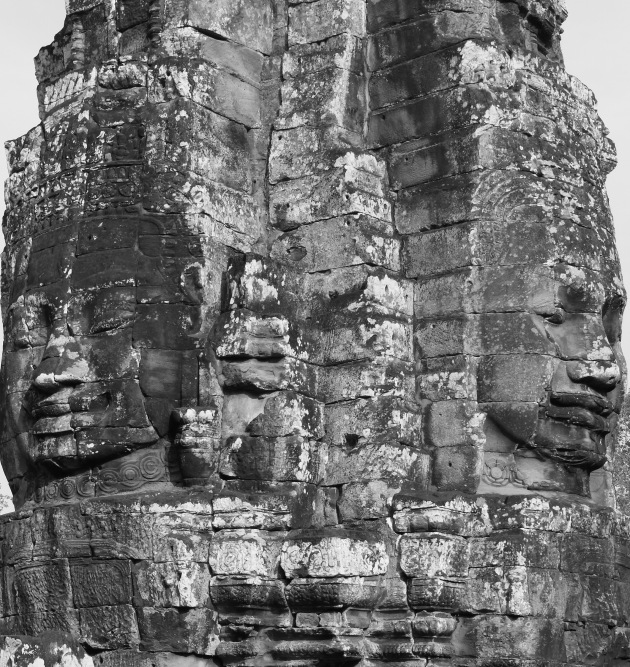 2 faces of the Bayon pillar that consists of 4 faces
