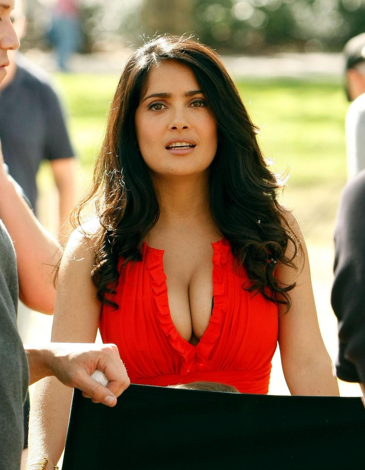 Salma hayek facts and beautiful fresh pictures 2013 for Fresh pictures
