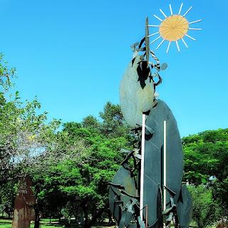 Escultura Flor, de Francisco Stockinger - Parque Marinha do Brasil
