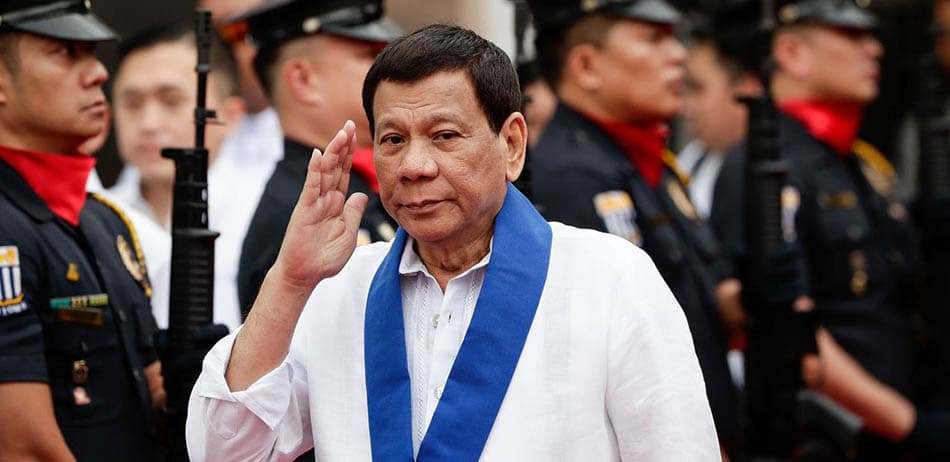 """Dini Haber, Haberler, Filipin Devlet Başkanından Kilise Karşıtı Söylem, Rodrigo Duterte kiliseye gitmeyin dedi, Filipin Devlet Başkanı """"Bu nasıl din, nasıl tanrı?"""", Piskoposların yolsuzlukları, Rodrigo Duterte"""