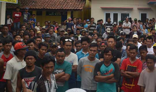 warga lebakmekar protes panitia pilwu