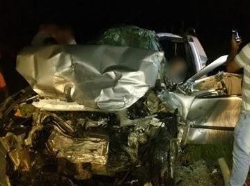 Três pessoas morrem em batida entre dois automóveis em trecho de rodovia na Paraíba