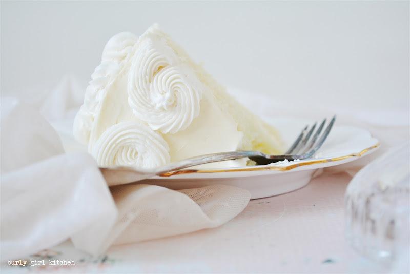 Lemon Cake, Lemon Poppyseed Cake, Cake Decorating Ideas, Buttercream Flowers, Wedding Cake