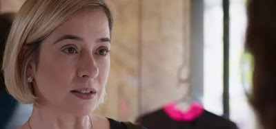 Lígia (Paloma Duarte) vai proibir o filho de levar a namorada para sua casa em Malhação