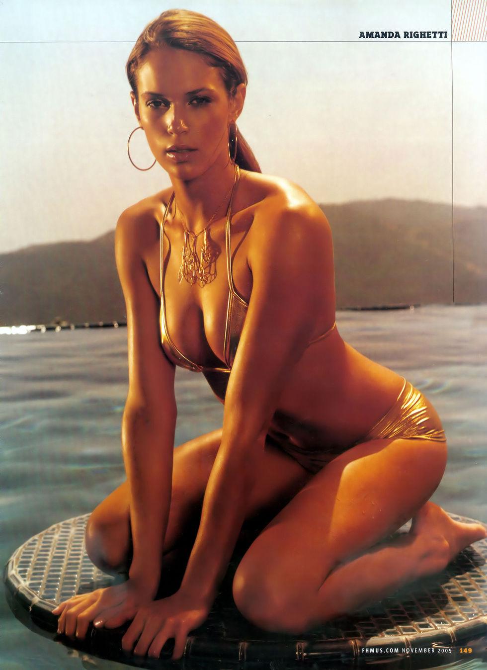 Amanda Righetti Hot Pics   Celebrity Hot Wallpapers And Photos