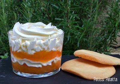 recette d'abricots romarin et crémeux, marmelade d'abricots au romarin, crémeux vanille et fève tonka, verrine abricots et crémeux, sablés breton maison, cuisiner les abricots, desserts abricots, patissi-patatta
