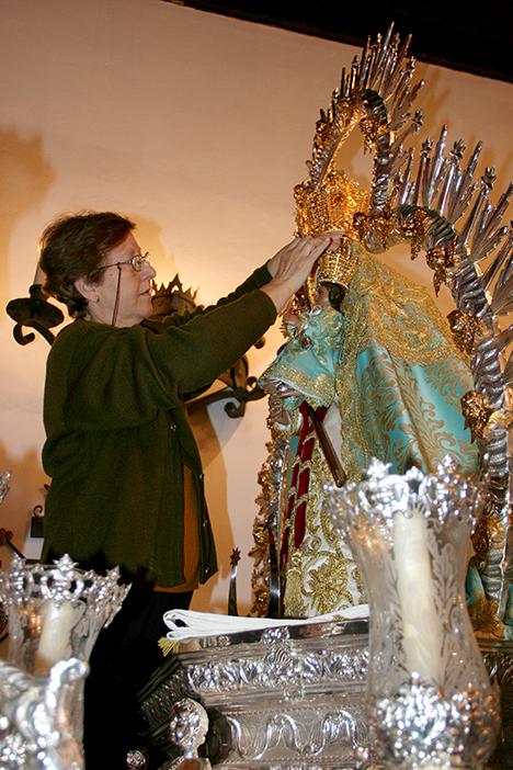 https://www.facebook.com/Virgen-de-la-Cabeza-Arjonilla-126767410706970/