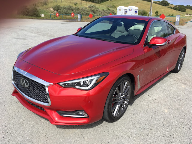 Front 3/4 view of 2017 Infiniti Q60 Red Sport 400