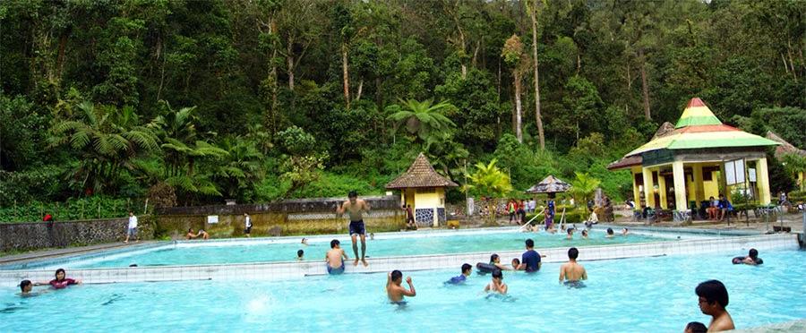 Pemandian Air panas Cangar di Batu Malang