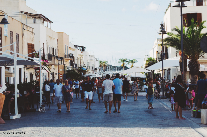 san vito lo capo touristen stadt einkaufen urlaub