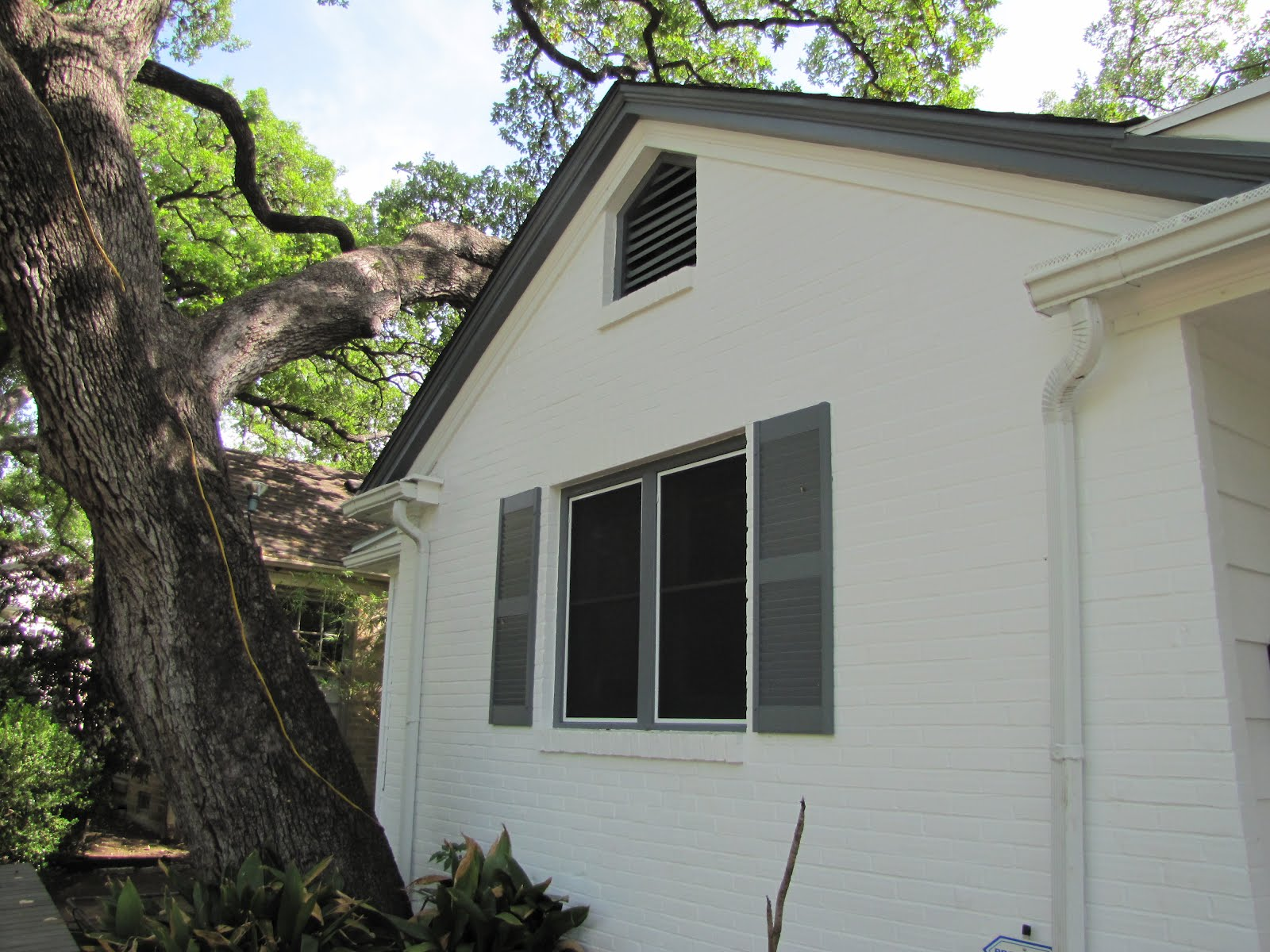 Mad for Mid-Century: Done: Paint Our Mid-Century Ranch on Modern House Painting  id=42315