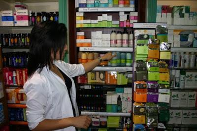 Δωρεά από το Φαρμακείο του Κ. Κάτσιου Νικόλα στο Κοινωνικό Φαρμακείο του Δήμου Ηγουμενίτσας σε ταινίες μέτρησης χοληστερίνης
