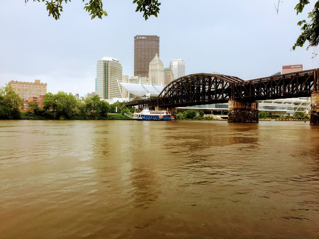 Gateway Clipper on the Allegheny River