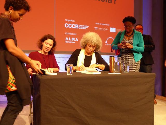 Angela Davis acudió al CCCB a hablar sobre la revolución en contra del racismo y el poder del asociacionismo.