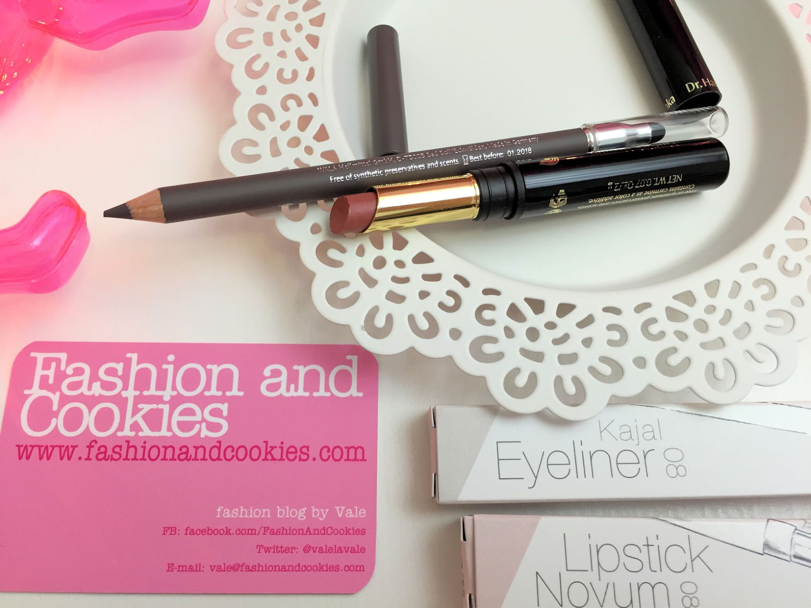 Dr. Hauschka kajal eyeliner and lipstick in maple glow on Fashion and Cookies  beauty blog, beauty blogger
