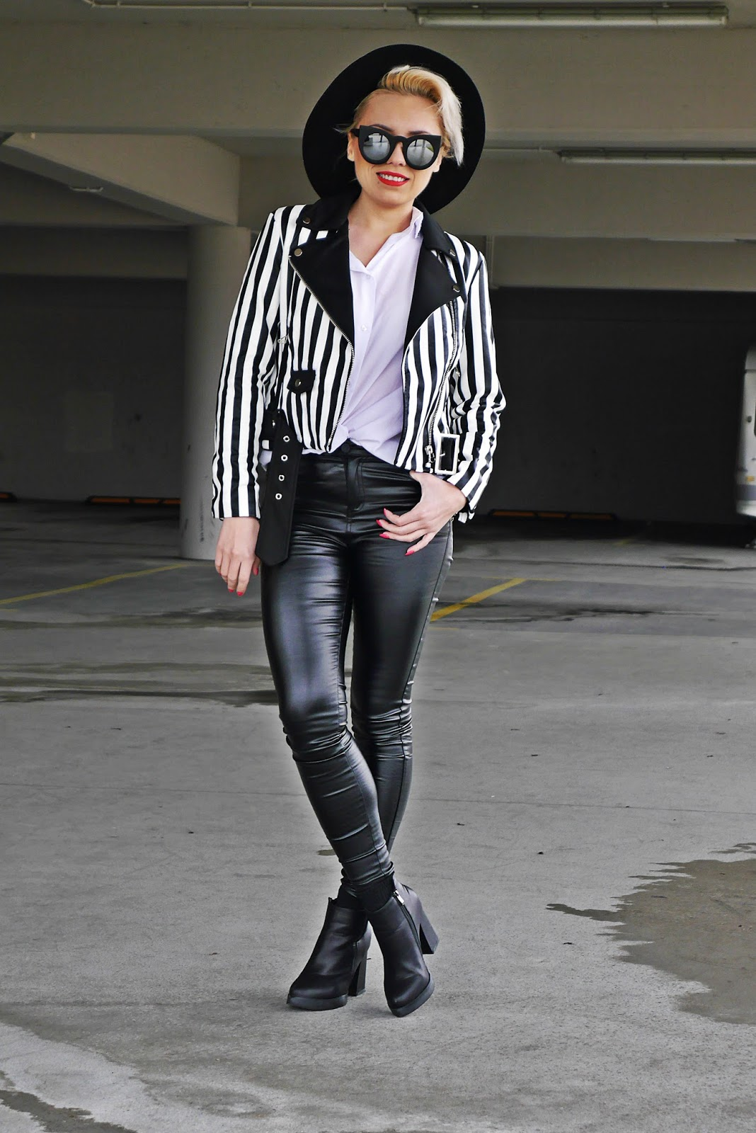 stripes_biker_jacket_leather_pants_karyn_blog_look_230317b