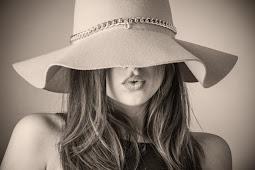 Kecantikan Wanita Adalah Subjek Yang Tidak Terlukiskan