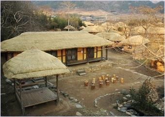 หมู่บ้านวัฒนธรรมพื้นบ้านเกาหลี (Korean Folk Village)