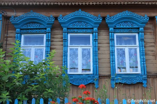 деревянные резные наличники на окна фото