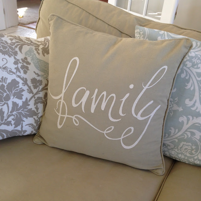 Burlap pillow, DIY, do it yourself, Silhouette Cameo