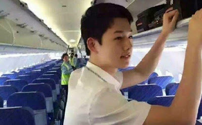 Pramugara China Ini Menjadi Sensasi Kerana Pelakon Korea Song Joong Ki