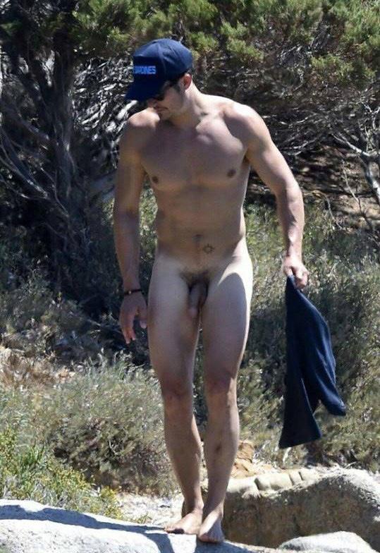 Orlando Bloom Nude On The Beach
