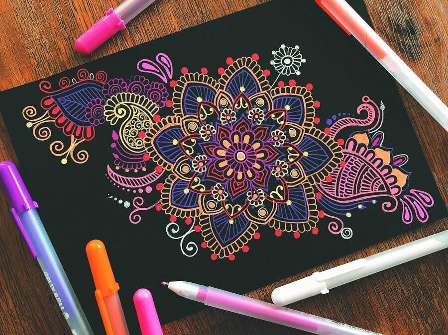 05-Mandala-and-Zentangle-Drawings-Simran-Savadia-www-designstack-co