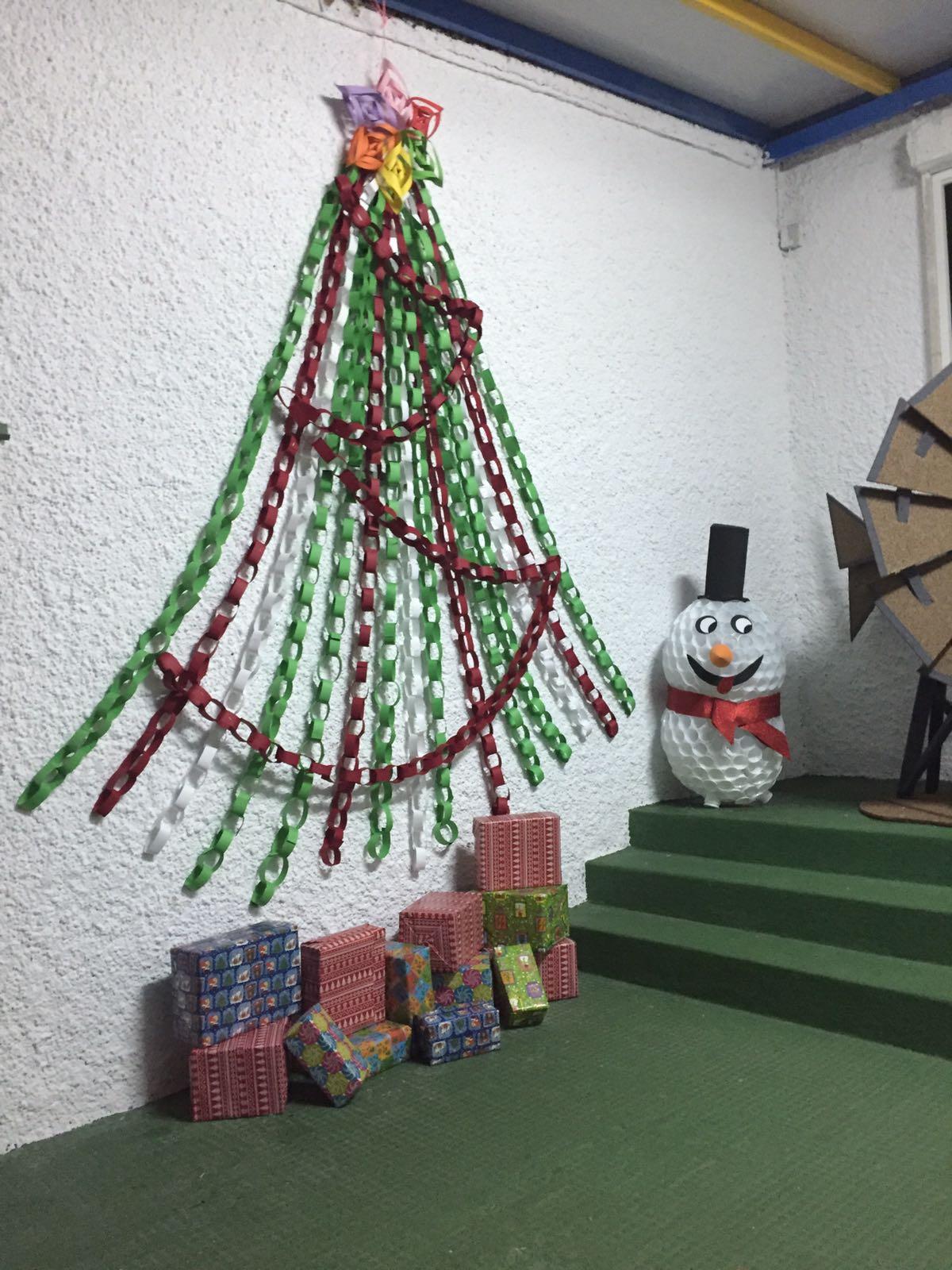 Ceip te filo p rez decoraci n de navidad el ampa y las for Manualidades para diciembre