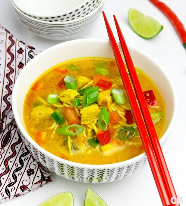 Thaise noedelsoep met kip en groenten