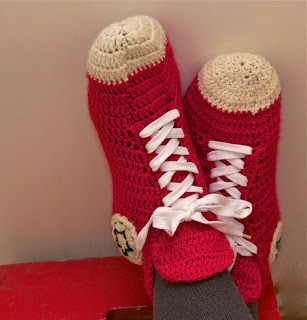 Boys and mens converse style lace up sneakers Free Crochet Pattern