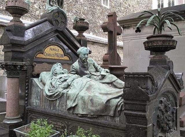 1114 foto [FOTO] Kuburan Paling Aneh dan Unik