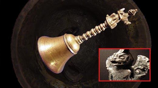 Campana de hace 300 millones de años encontrada dentro de un trozo de carbón