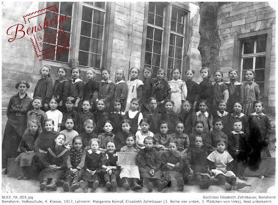 NLEZ_FA_005 Bensheim, Volksschule, 4. Klasse, 1917, Lehrerin: Margarete Kempf, 3. Reihe von unten, 3. Mädchen von links: Elisabeth Zehnbauer, Nachlass Elisabeth Zehnbauer, Stoll-Berberich 2016