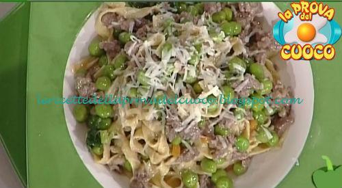 Tagliatelle integrali con ragù di manzo piselli ed emmentaler ricetta Salvatori da Prova del Cuoco
