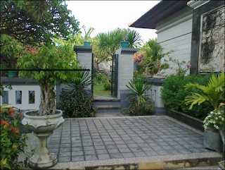Halaman depan rumah minimalis type 36