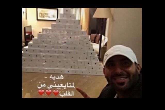بعد طرحه بالمملكة..ثري سعودي يشتري 100 أيفون 7 ليغرقها بالماء من لديه الجرأة على فعل ما فعله هذا الرجل!
